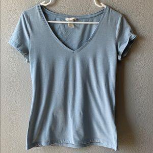 H&M Baby Blue Short Sleeved V-Neck Size M